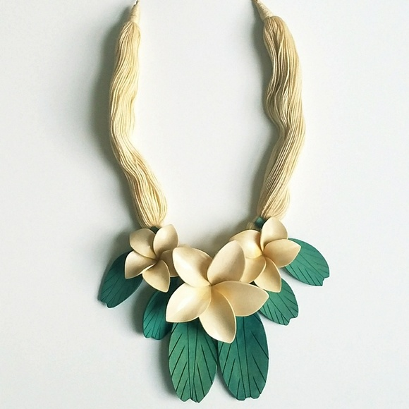 Vintage Jewelry Hawaiian Plumeria Frangipani 3d Statement